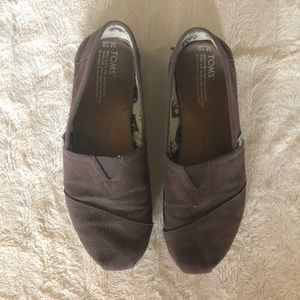 Men's brown Toms